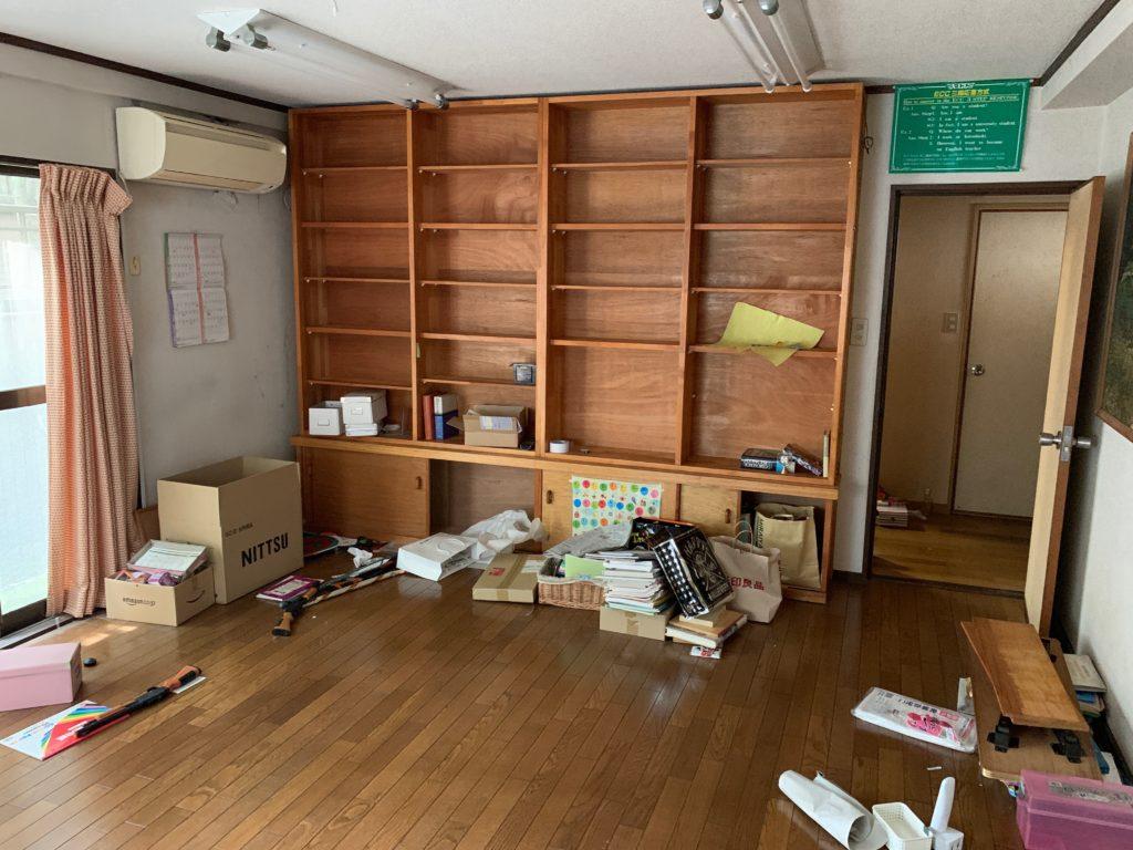 三階建一軒家の遺品整理前の写真(一階部屋1)港区