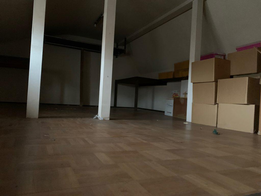 三階建一軒家の遺品整理後の写真(屋根裏部屋)港区